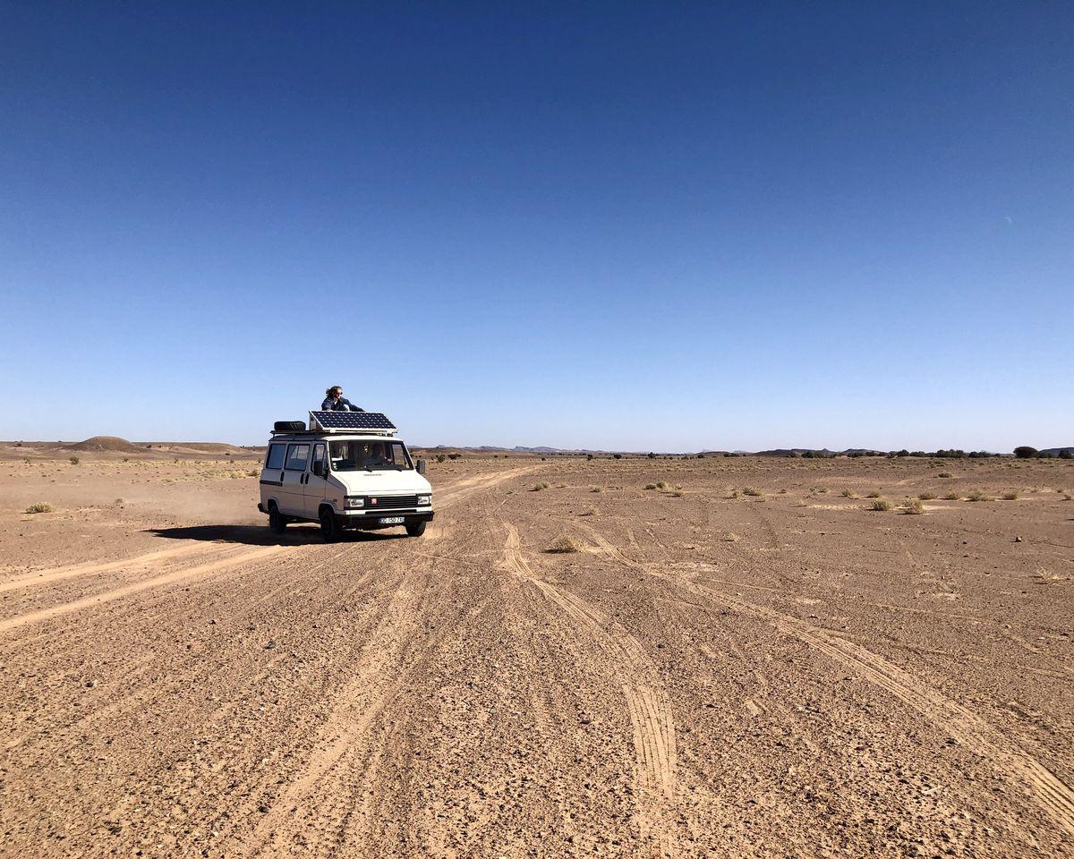 Le Maroc en van - hors piste à Fezzou dans le désert direction Merzouga