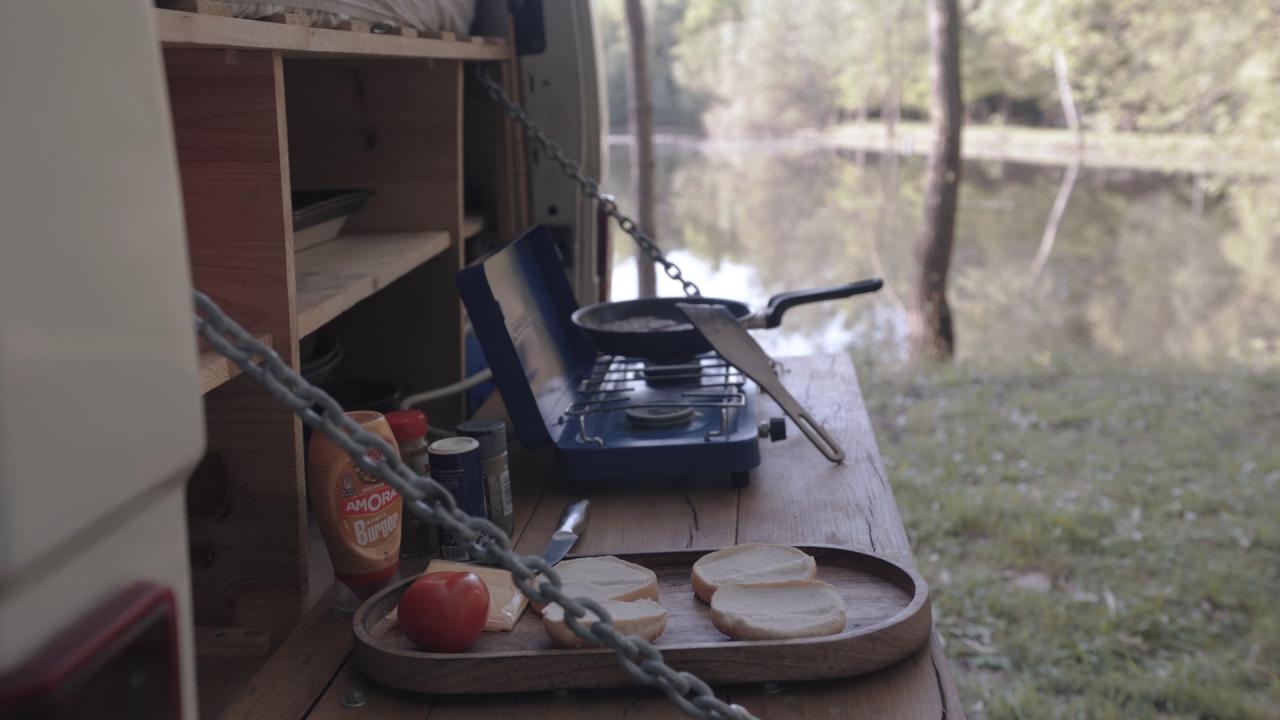 cuisiner en van sans cuisine : notre équipement